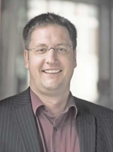 Prof. Simon, Pausanio