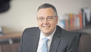 Jürgen Wiesmaier sieht in der Förderung neuer Eventformate eine große Chance für die compeople AG, ihr Fachwissen im Austausch mit externen Fachexperten weiterzuentwickeln.