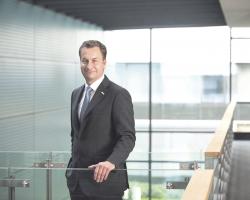 Elmar Pritsch, CIO Bosch, stattet weltweit 240000 Arbeitsplätze mit modernsten Collaboration-Methoden und -Technologien aus.