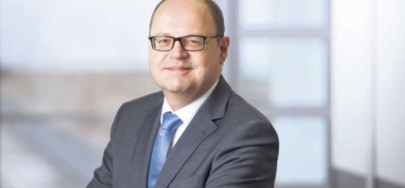 """Gastautor Heiko Gradehandt sieht die Absicherung der Mitarbeiter als zentrales Instrument im """"War for Talents""""."""