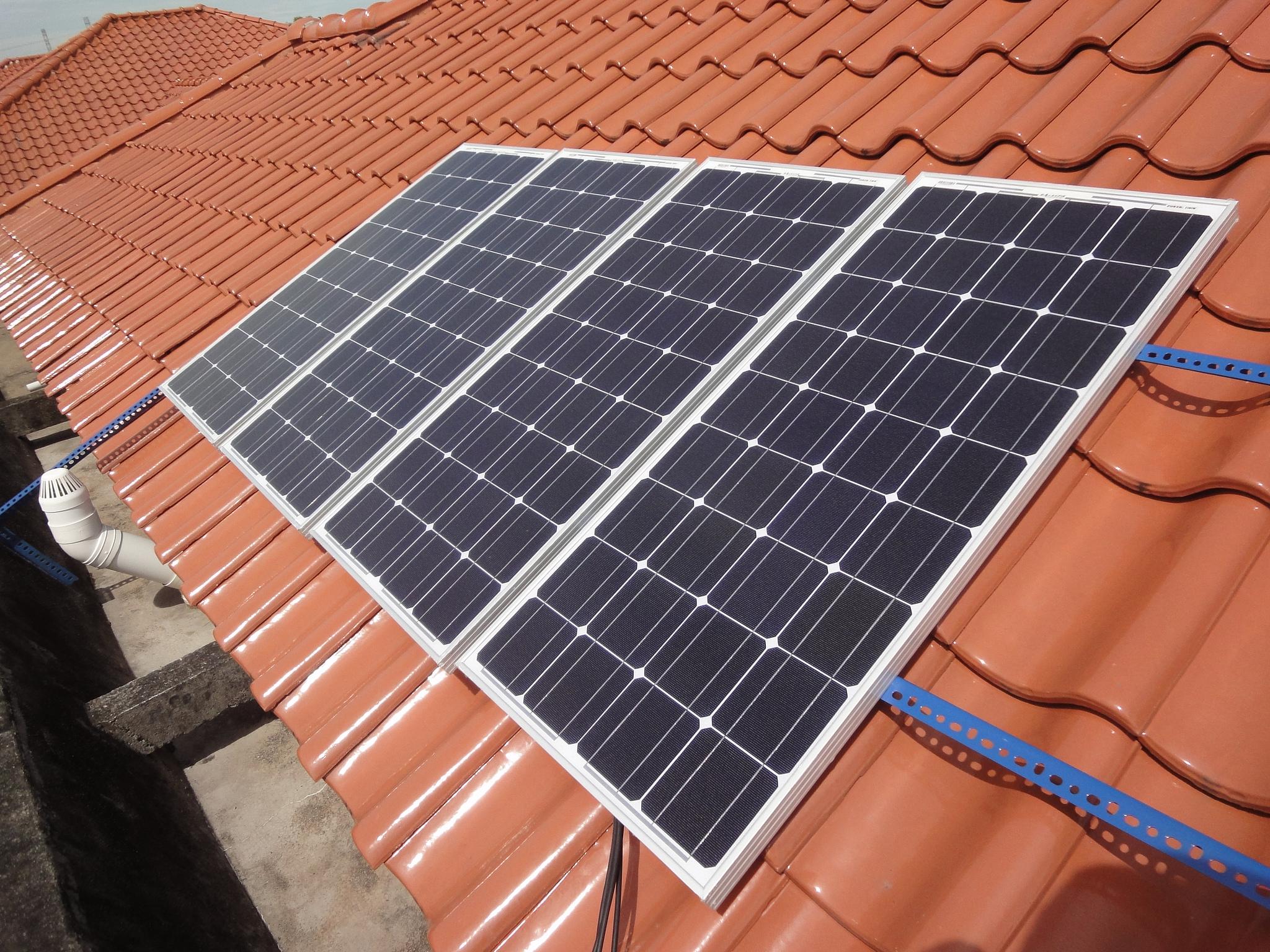 flickr.com; Marufish Solar Panel/ https://flic.kr/p/dH6FW3; Veröffentlicht unter: https://creativecommons.org/licenses/by-sa/2.0/