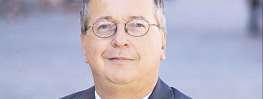 Die gesamte Kapitalmarktforschung hat ergeben, dass kein aktiver Manager den Markt schlagen kann, führt Martin Weber aus.
