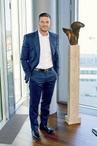 """""""Die MEP Werke sind nicht nur Vorreiter, sondern mit 2000 Mietkunden auch Marktführer auf dem Solaranlagen-Mietmarkt"""", so Konstantin Strasser."""