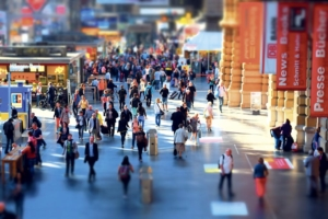 """Crowd in Railway-Station""(CC BY 2.0)bymripp"