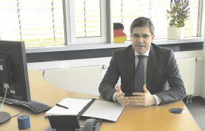 Roland-Berger-Principal Carsten Bock sieht eine Schwäche in der digitalen Verknüpfung der Produktion mit anderen Abteilungen.