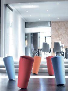 Dynamisch und stimulierend schafft das Bewegungsobjekt Stand-Up gesunde Settings in agilen Arbeitswelten.