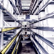 Die All-in-Shuttle-Lösung erlaubt die effektive Abwicklung der stets wachsenden E-Commerce-Bestellungen.